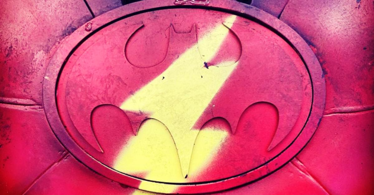 the-flash-bat-flash-logo