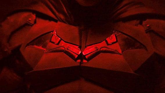 batman-chest-logo