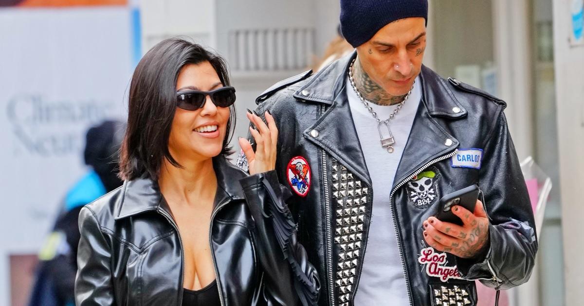 Kourtney Kardashian Reportedly Threw Tantrum Mid-Flight to 'SNL' Over Travis Barker's Lost Phone.jpg