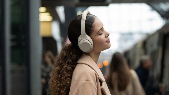 sony-headphones-top