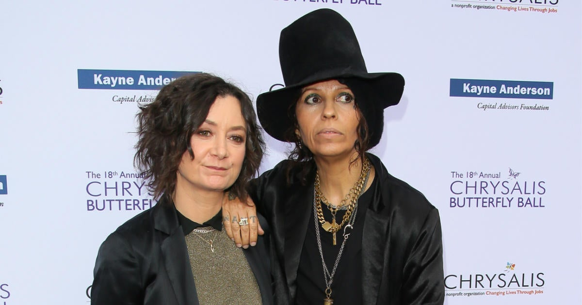 'The Conners' Star Sara Gilbert and Linda Perry Are Officially Divorced.jpg