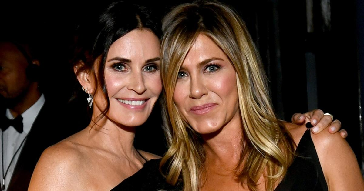 Jennifer Aniston, Courteney Cox Pay Tribute to 'Friends' Co-Star James Michael Tyler After Death at 59.jpg