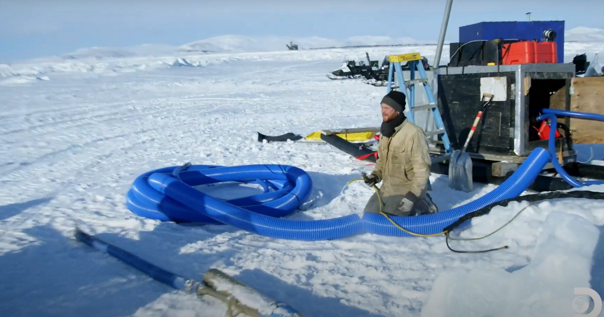'Bering Sea Gold' Star Draws 'Wild Card' for Mining Operation in Exclusive Premiere Clip.jpg