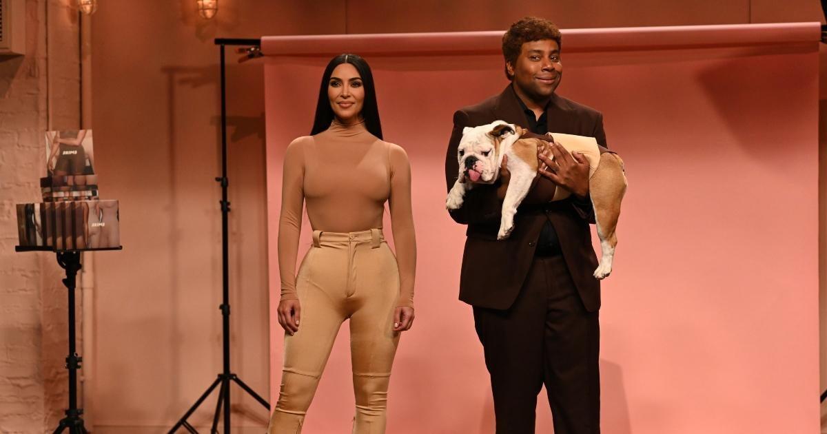 Kenan Thompson Weighs in on Kim Kardashian's 'SNL' Performance (Exclusive).jpg