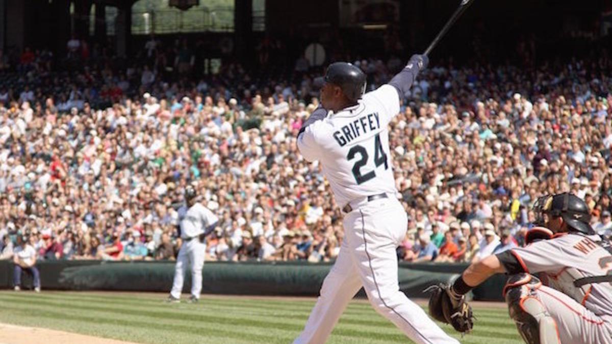 d0feaa19c6 LOOK: Ken Griffey Jr. makes triumphant return to baseball video game  business - CBSSports.com