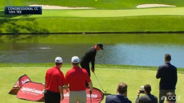 Tiger Woods puts three shots in the water at Congressional