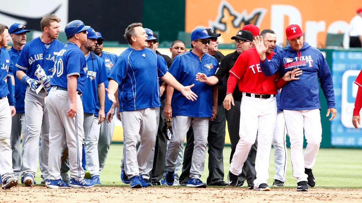 Twitter, MLB players react to Rougned Odor punching Jose Bautista