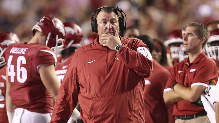 Arkansas shows no chill, rips Michigan for backing out of games to play Notre Dame