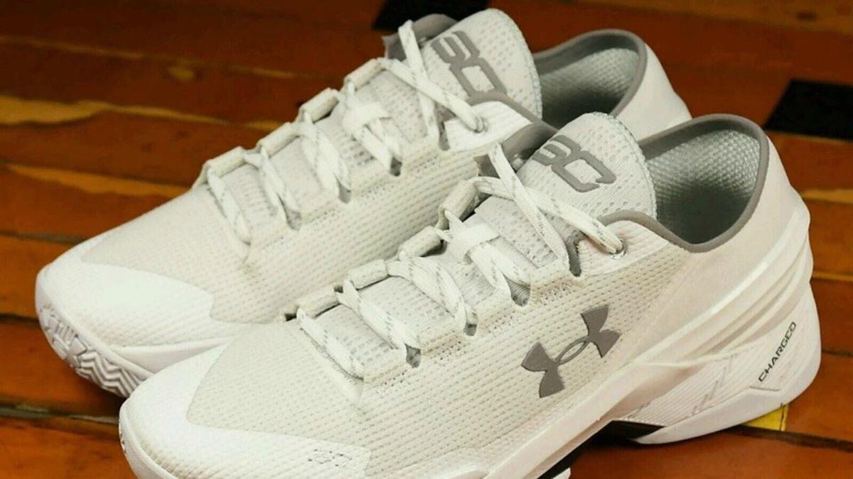 curry under armour shoes