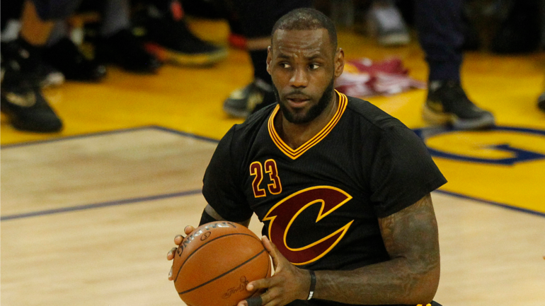 d687f60a2b7 NBA Finals  LeBron reportedly wanted Cavs to wear sleeved jerseys in Game 5  - CBSSports.com