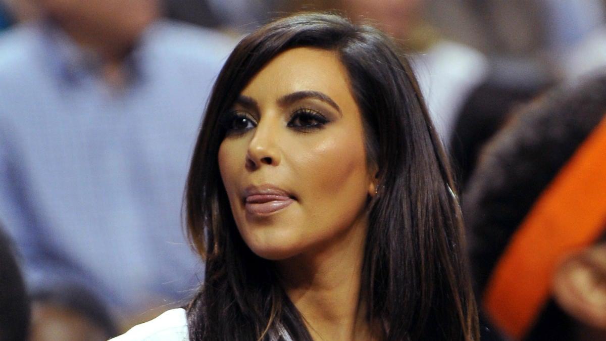 Kim Kardashian recounts new details about O.J. Simpson garment bag mystery  - CBSSports.com 3f4bb8adbb2f4