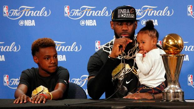 LeBron James and Daughter Zhuri James Share Postgame Father-Daughter Moment
