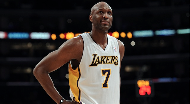 Lamar Odom Booted Off Plane, After Drunkenly Booting on Plane