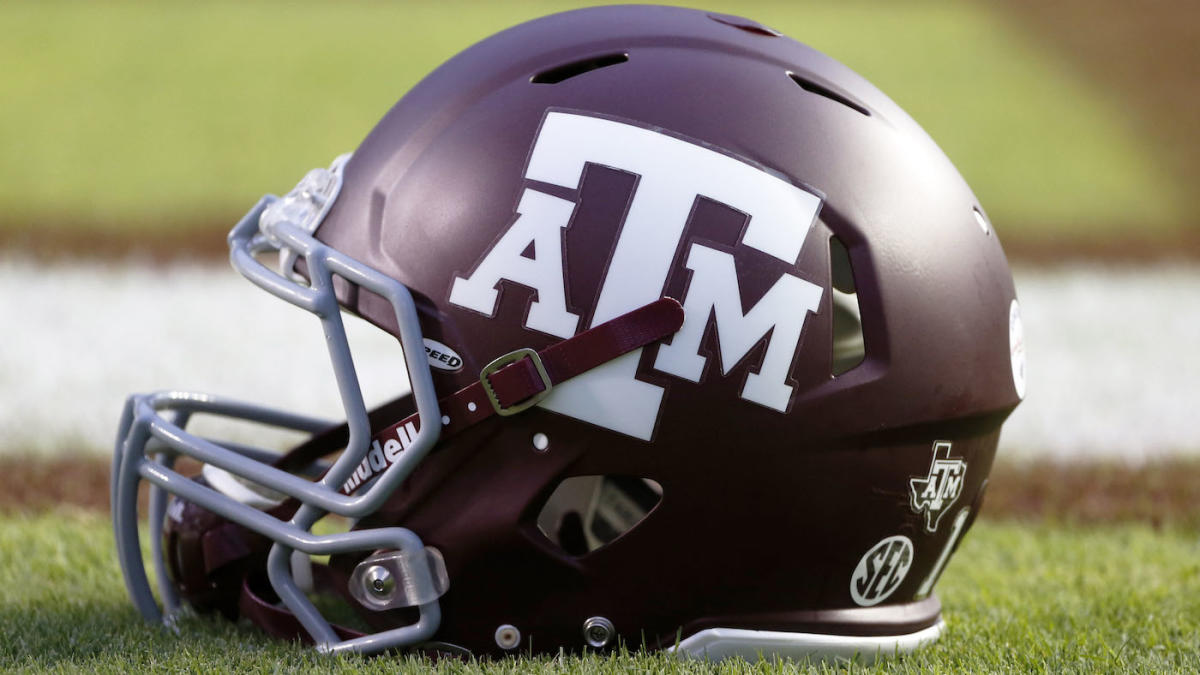 Texas A&M WR charged with indecent exposure, blames 'jock
