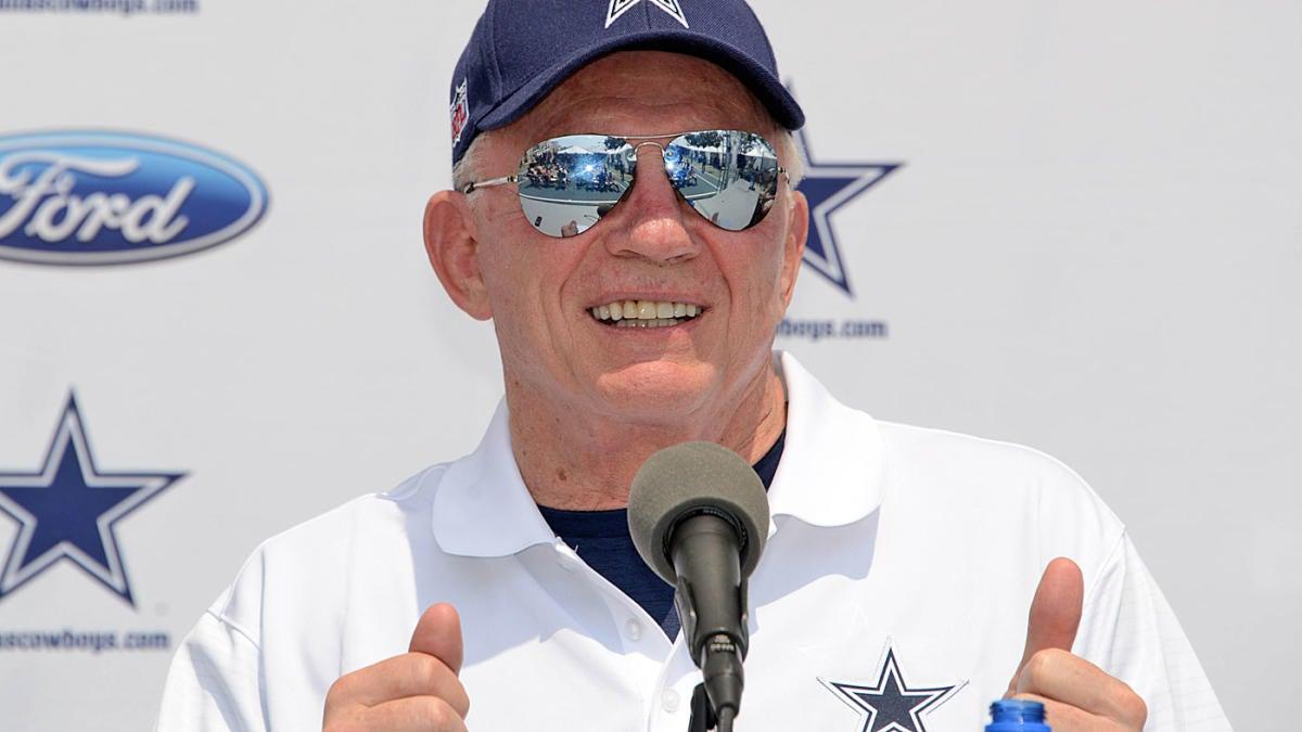 Jerry Jones explains scenario in which Tony Romo would replace Dak Prescott