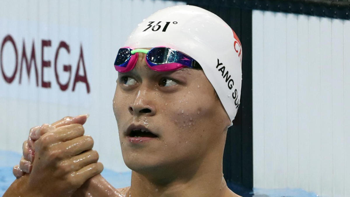 Chinese swimmer Sun Yang confronts rival who refused to shake hands and pose for photos