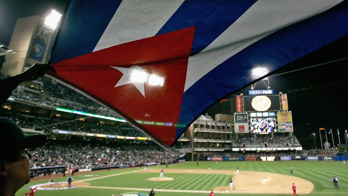 Cuban prospect Lourdes Gurriel is declared a free agent by MLB