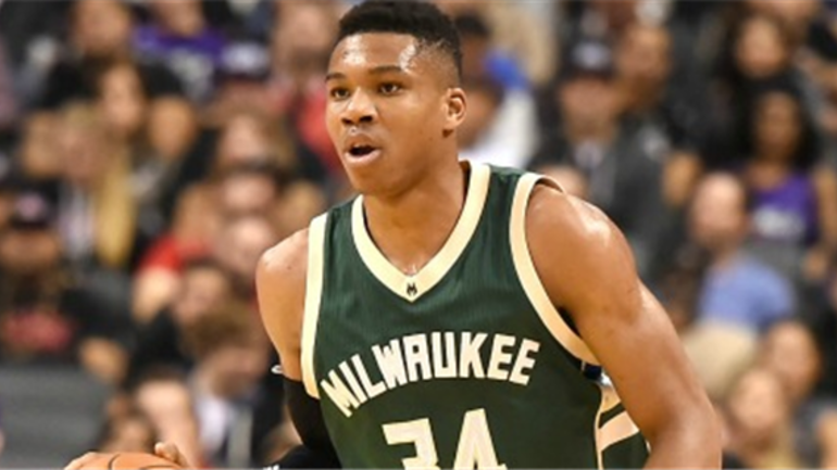 Bucks agree to extension with Giannis Antetokounmpo