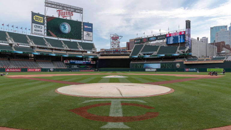 first place minnesota twins offer fans 5 tickets sell 20 000 in less than 24 hours. Black Bedroom Furniture Sets. Home Design Ideas