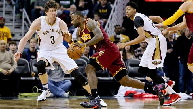 Pelicans to shuffle center duties as Omer Asik deal looks worse and worse
