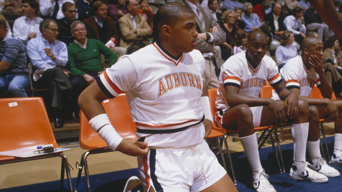 Watch Charles Barkley Learns He Ll Get A Statue At Auburn
