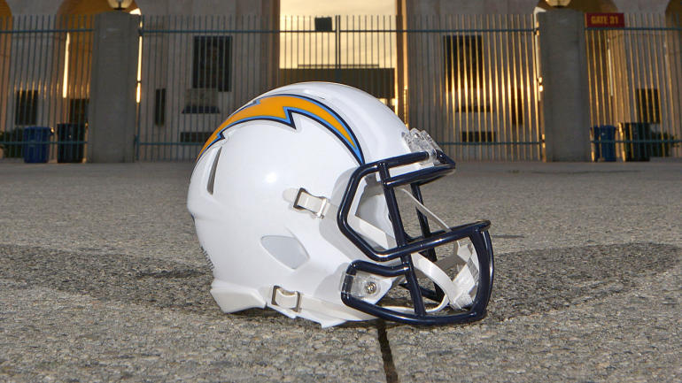 NFL to push to keep Chargers in San Diego with concern over second L.A. team