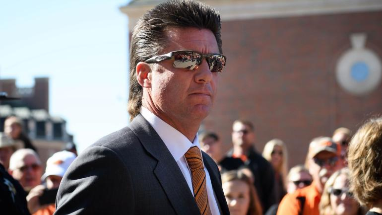 The Fate Of Mike Gundy S Mullet Oklahoma State S Coach