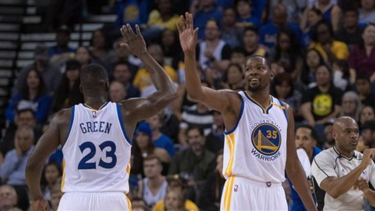 Kevin durant and draymond green meet nfl legend peyton manning meet nfl legend peyton manning the golden state warriors will square off against the indiana pacers on monday night at bankers life fieldhouse but two m4hsunfo
