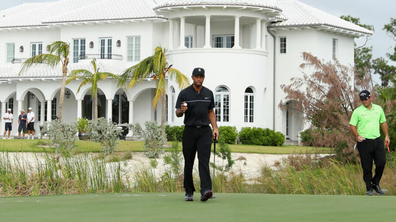 hero world challenge tee times friday  when does tiger