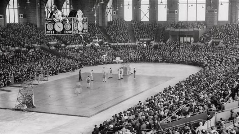 WATCH: Old Indiana gym finds new life in Hoosiers - CBSSports.com