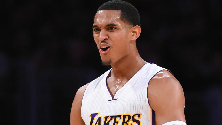 NBA fines Lakers' Jordan Clarkson $15,000 for forearm to Goran Dragic's neck