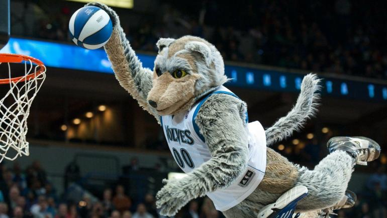 Timberwolves mascot leaves Karl-Anthony Towns' father on crutches after stunt - CBSSports.com