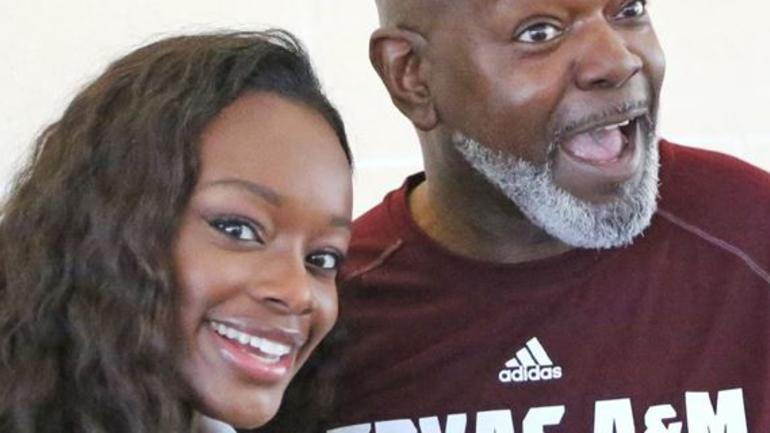 Emmitt Smith S Daughter Signs With Texas A Amp M Cbssports Com