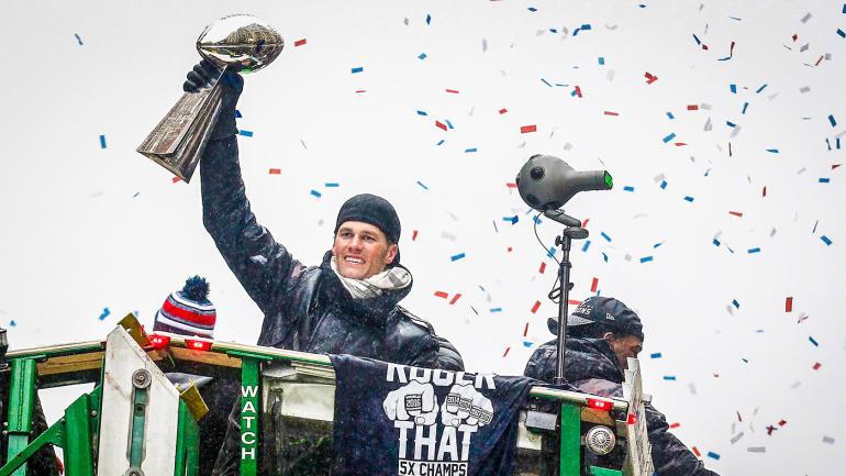 Tom-brady-patriots-victory-parade-sbli
