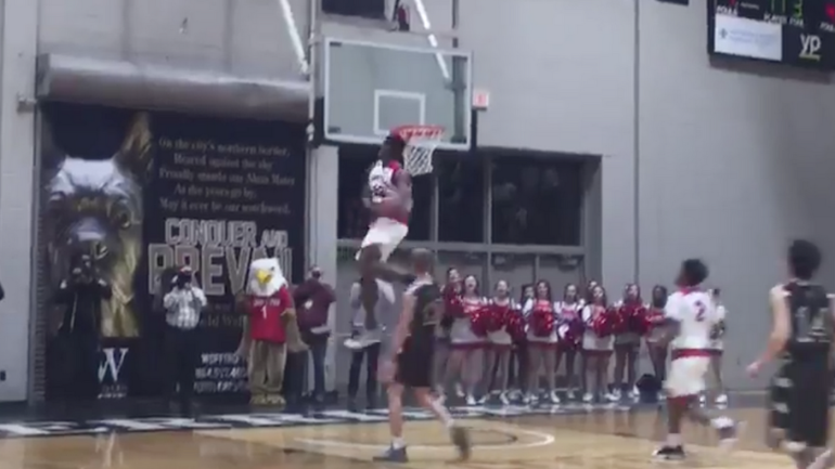 watch  high school star zion williamson throws down