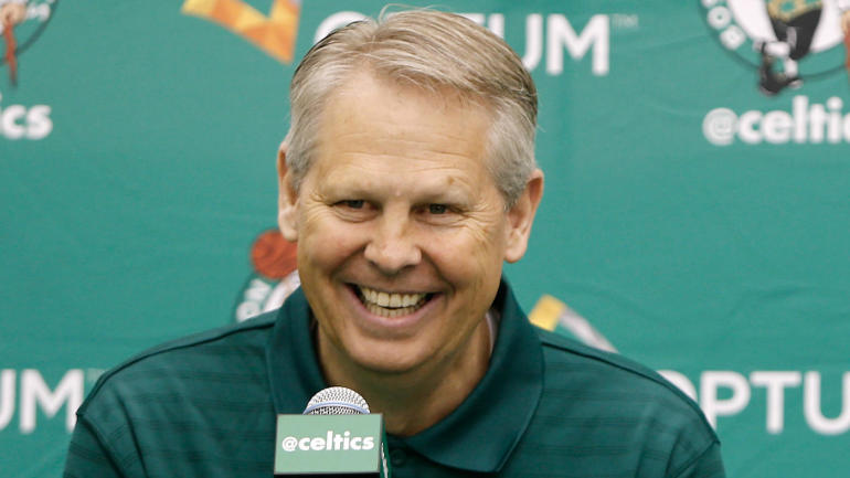 Danny Ainge says Celtics not looking for