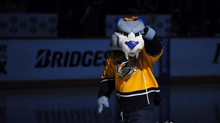 Gnash, the Nashville Predators mascot, is taking no prisoners on Twitter