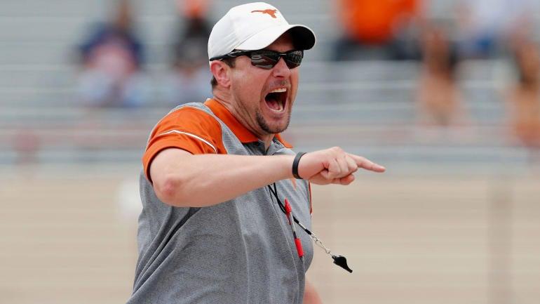 Tom-herman-texas-yelling
