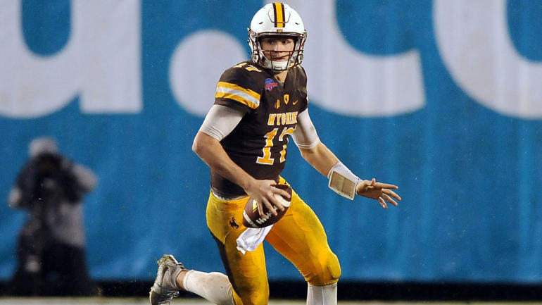 Wyoming's Josh Allen focuses on the grind amid deafening ...