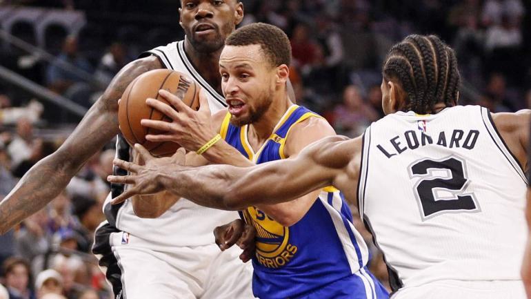 Stephen Curry đóng vai trò mạnh mẽ trong quá trình trở lại của Warriors khi anh ghi 19 trên tổng số 40 điểm của mình chỉ trong hiệp 3