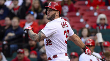 matt-adams-cardinals.jpg