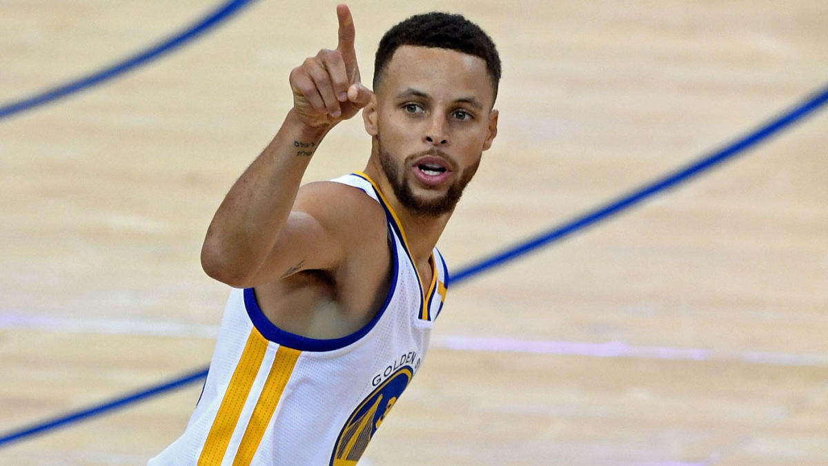 Stephen Curry's record contract reminds us how irreplaceable he really is