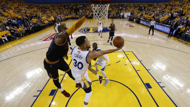 NBA Finals highlights: Steph Curry dribbles through LeBron for insane layup in Game 2 ...