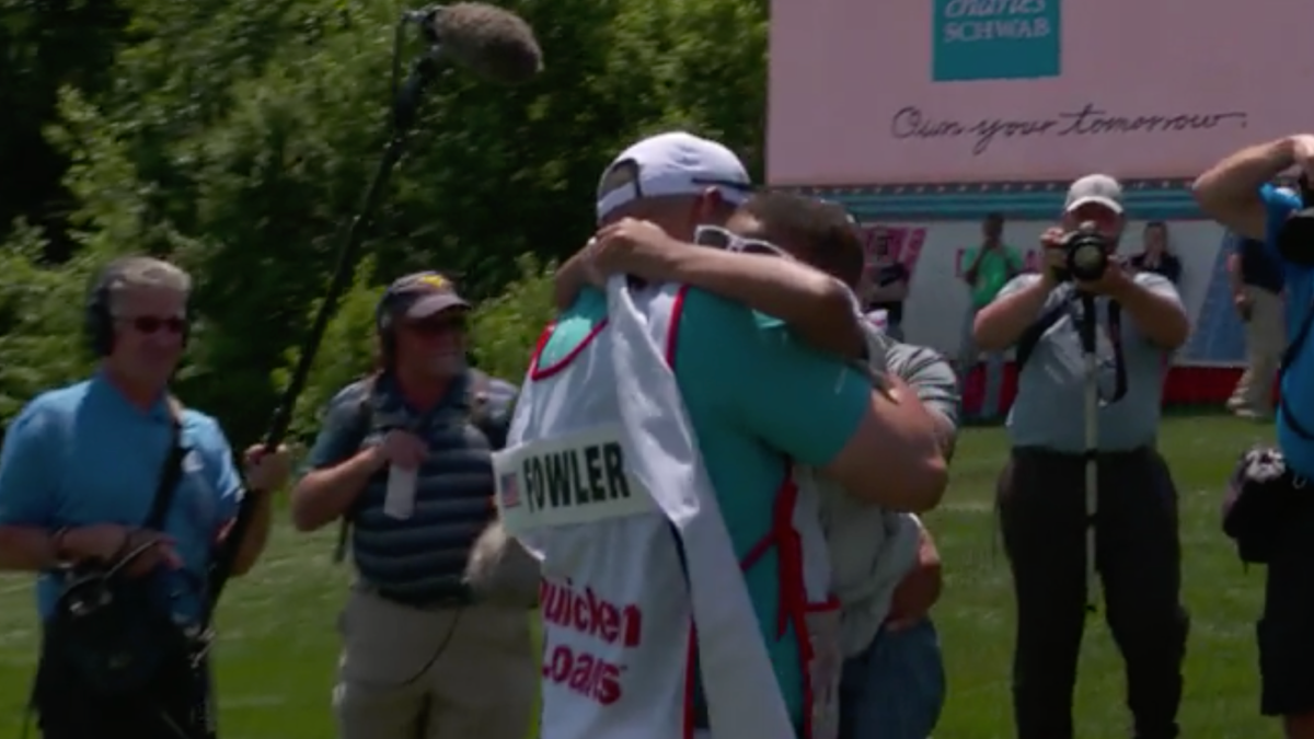 WATCH: Rickie Fowler helps military dad surprise son at
