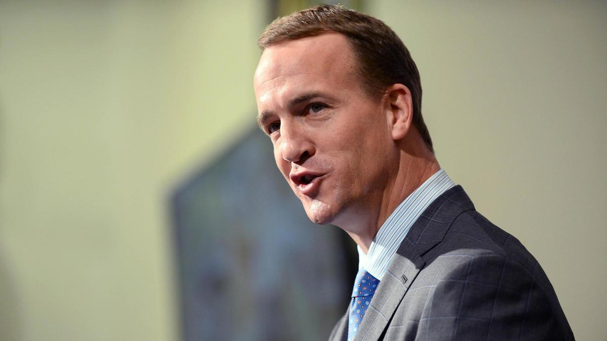 Peyton Manning once again leaves the door open for a future NFL front office job