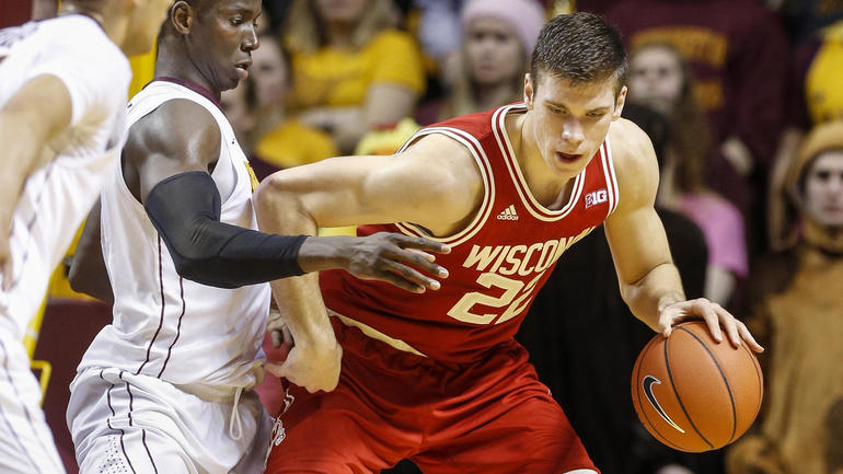 Xavier vs. Wisconsin odds, line: Gavitt Tipoff Games picks, predictions from model on 6-3 run