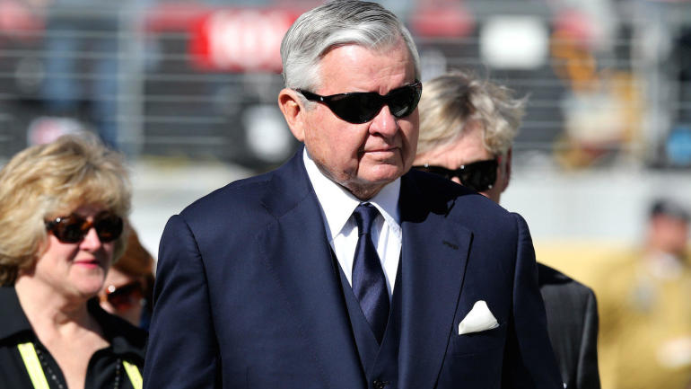 Jerry-richardson-panthers-dave-gettleman-fired-family-football