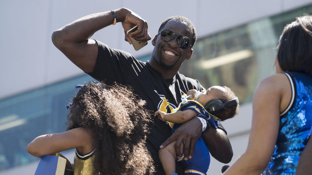 check out cc185 faf56 Draymond Green, Conor McGregor trade Instagram blows over a ...