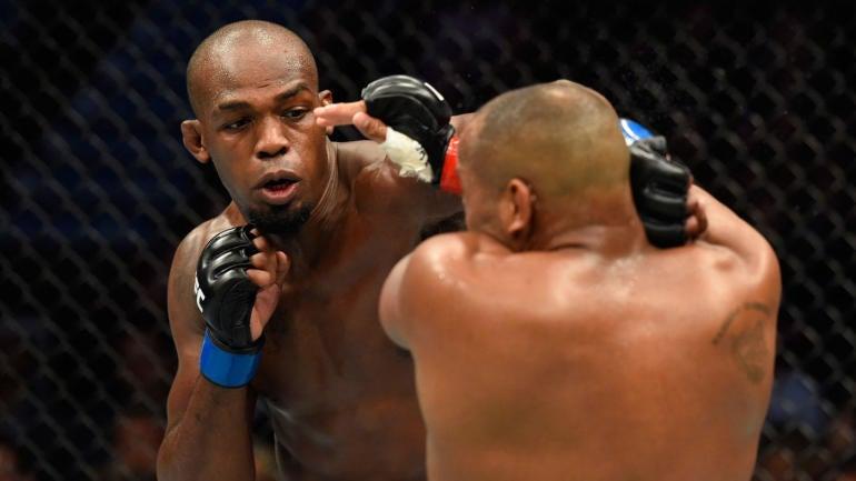 UFC 235 odds, predictions: Top-rated MMA insider picks Jones vs