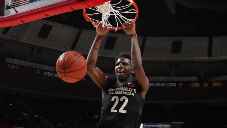 Report: Mitchell Robinson not expected to play in college; will prep for 2018 NBA Draft